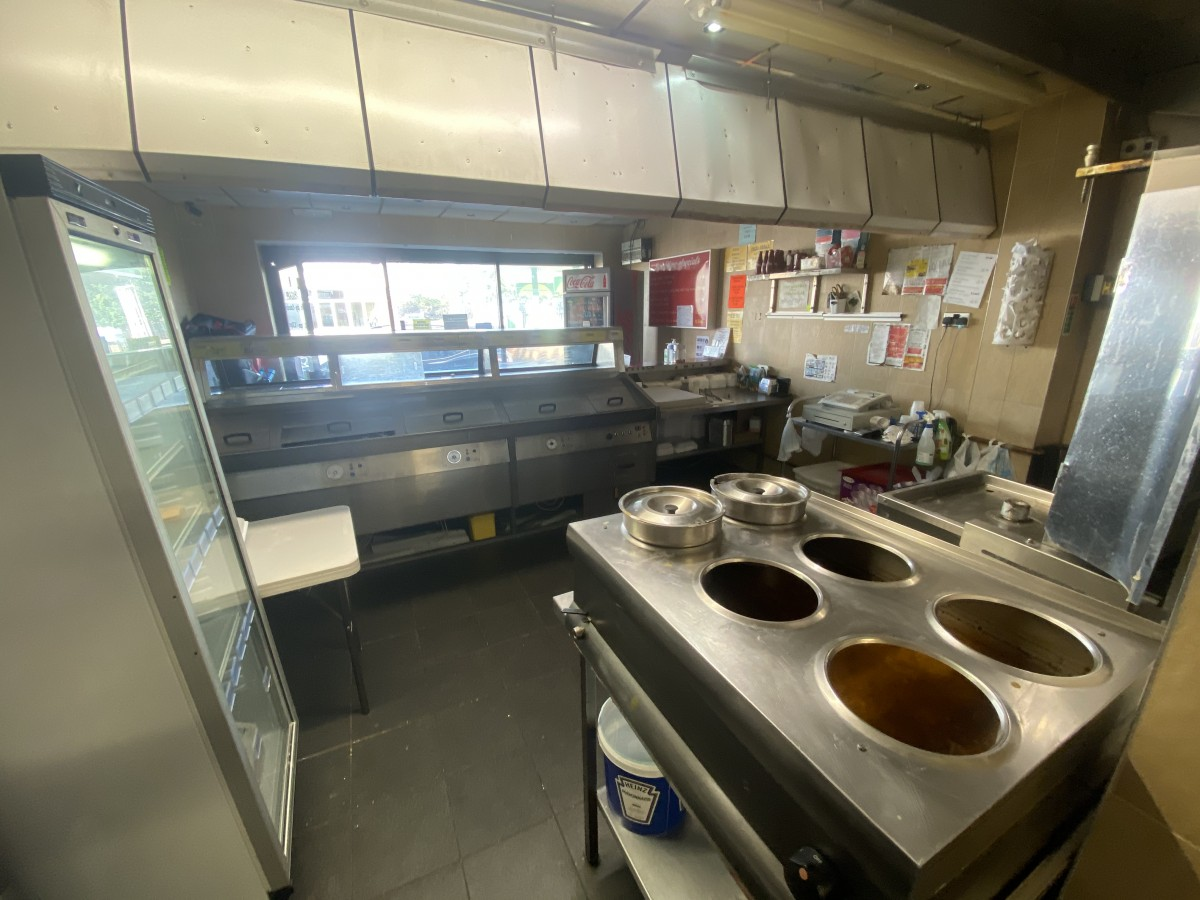fish-and-chip-shop-newcastle-upon-tyne-leasehold-accommodation